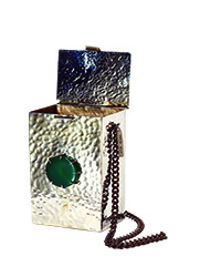 Anndra Neen Dal Bag with Agate Center Stone trans
